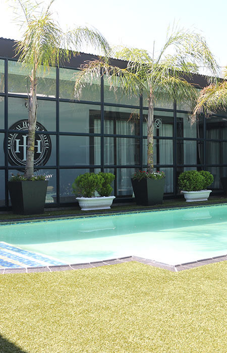 HalfwayHouse Hotel Pool- Kimberley